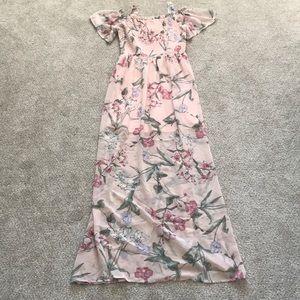 NWT Light pink floral maxi dress